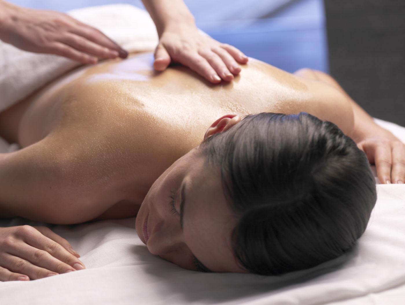 Lavender Aromatherapy Treatment Using Massage Therapy