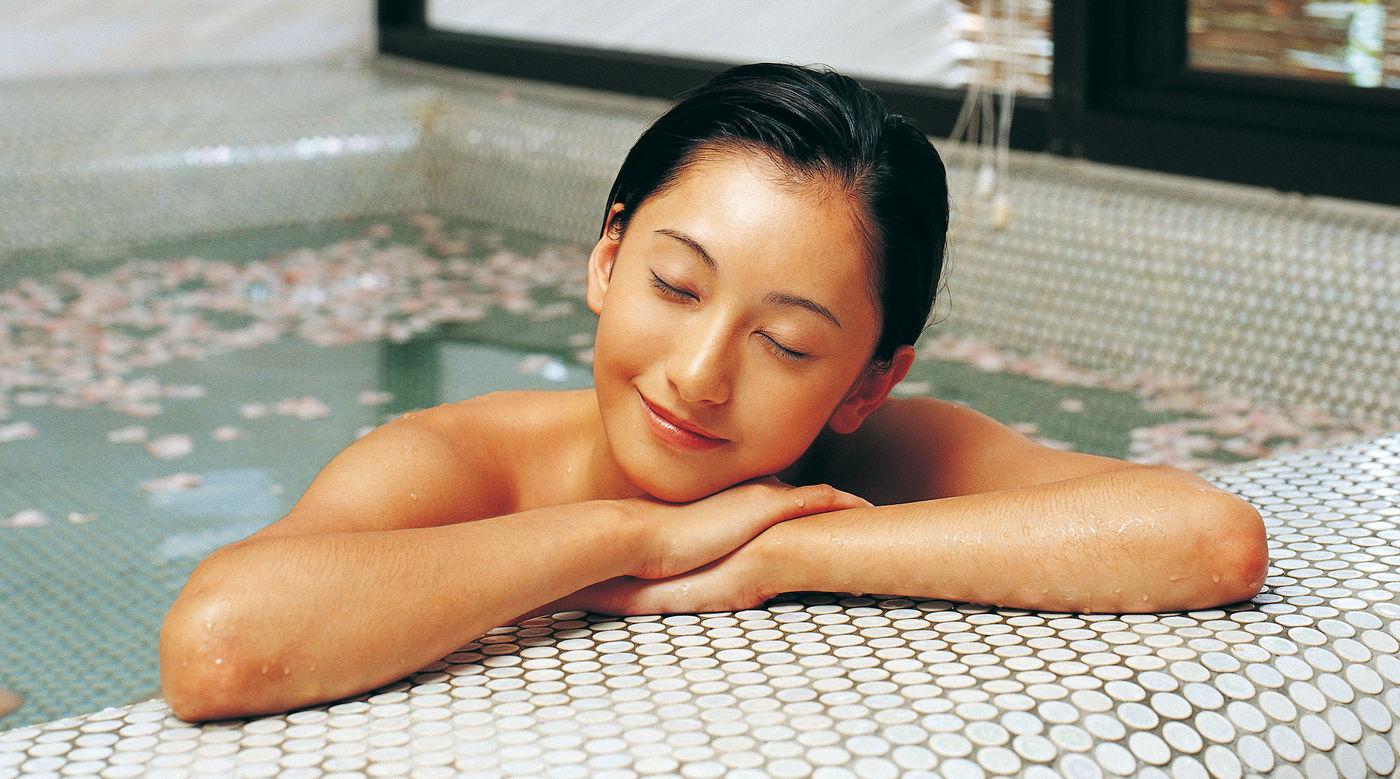 Using lavender Essential Oil in the Bath